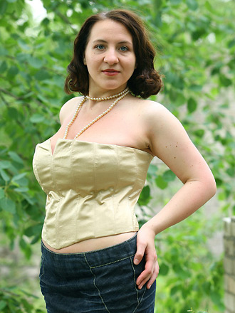 jjgirls photo averotica true-beauty-usha golden-corset