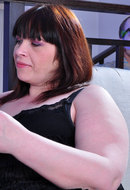 jjgirls photo boyslovematures mature-lady-caroline caroline-m-morris-fucking-younger-dude