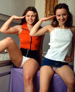 jjgirls photo clubseventeen horny-shower teenagers-sharing-a-shower