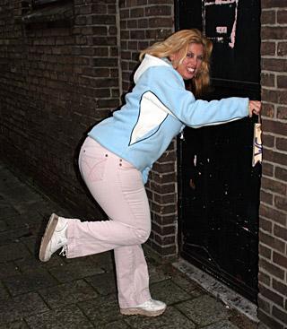 jjgirls photo holeyfuck chubby-sucker fat-gloryhole-loving-blonde