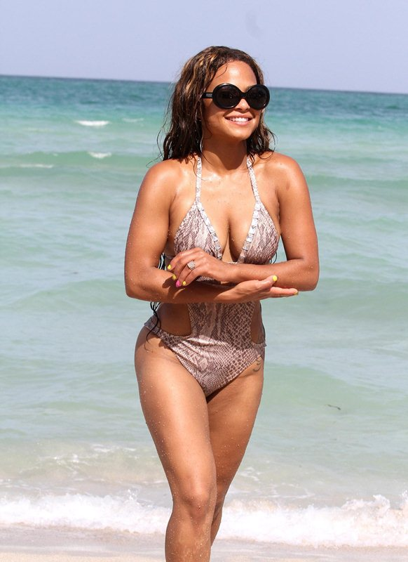 kanonitv net 2012 07 christina-milian-swimsuit-miami