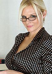kinghost lesbian rif8f yif18y hun