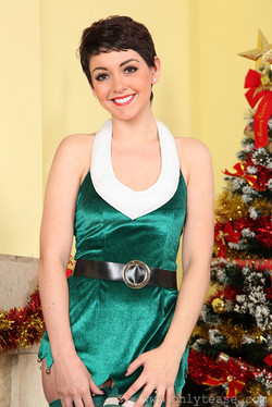 lemmecheck premium bryoni-kate-petite-christmas-elf-lets-you-open-sexy-present-early-143652