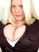 http://myboobsite.com/blog/dalila-raises-the-big-busty-blonde-bar-at-xx-cel/