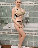 http://www.naturalbustybabes.com/scn/anna-song/bath-tub/anna-songnr.html