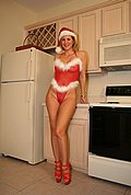 naughtyathome galleries 121306-santaoutfit  php