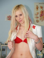 newexclusiveclub fhg kristyna_speculum_nurse  php
