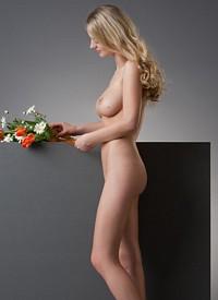 nextdoormania femjoy-carisha-flowers php