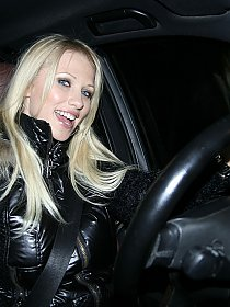 nudeinpublicblog clubnikitavalentin topless-in-her-car