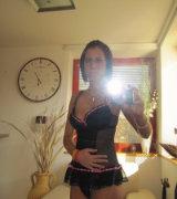 http://www.pinksmilfs.com/milf-gfs/jassalyn-b-hot-milf-mirror-selfshots/4218/
