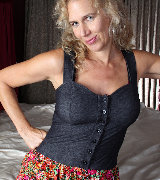 pinksmilfs karups-ow older-milf-cally-jo-double-hole-dildo 5439