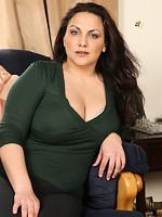 http://www.picsmaster.net/gallery/olderwomen/7626c4/