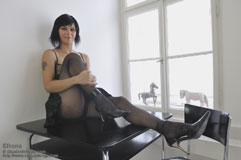 http://sexysettings.com/open30/efrona/efrona_intro.html