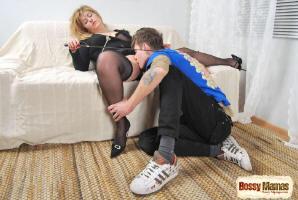 http://www12.kinghost.com/fetish/jsemin/bossym1/hun.html