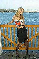 http://www6.kinghost.com/fetish/stocking/492porhy2.htm