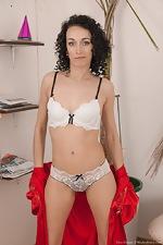 wearehairyfree models Cleo_Dream Cleo_Dream_strips_naked_enjoying_her_lollypop