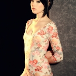 your-daily-girl 2011 11 mellisa-clarke-sexy-in-her-flower-one-piece