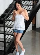 http://yourdailygirls.com/galleries1/la_zona_modelos_379/