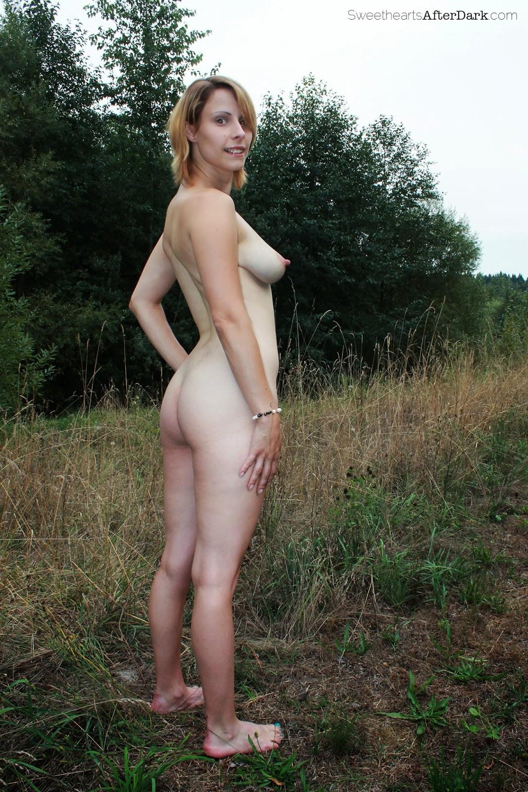 http://softbodysweethearts.blogspot.com/2014/03/harley-anne-rhodes-full-body-nudity.html
