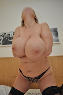 http://breastlove.blogspot.com/2010/12/miss-intrigue-is-30jj-hotel-hottie.html?zx=14939a9fb868ed4e