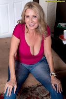 http://archiveofoldwomen.blogspot.com/2014/03/laura-layne-is-phone-sex-operator.html?zx=c34767366294a1d1