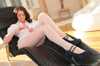 nylonhunter blogspot fr 2011 10 natalie-t-college-uniform-white