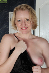 http://6mature9.com/galleries/ow/3zYgQGX6/