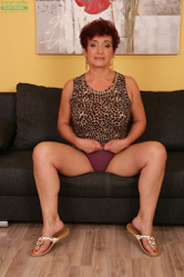 6mature9 galleries ow D68Roz10