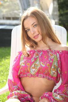 fhg eroticbeauty 2016-07-26 PRESENTING_LAURA_K