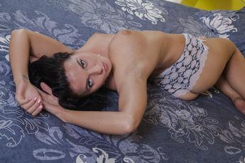 http://fhg.eroticbeauty.com/2017-01-24/PRESENTING_TARA_C/