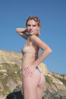 http://fhg.eroticbeauty.com/2016-07-12/PRESENTING_FRIDA_C/