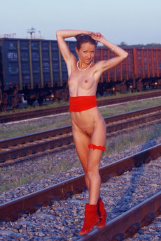 http://fhg.thelifeerotic.com/2016-12-06/THE_RAILS/